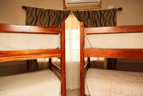 Tshipise, A Forever Resort: 6-Sleeper Rondavel. 2 bedrooms (1 double bed & 2 bunk beds)
